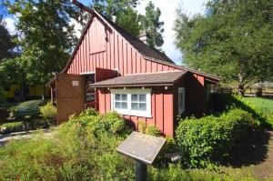 Walts-Barn-640x426